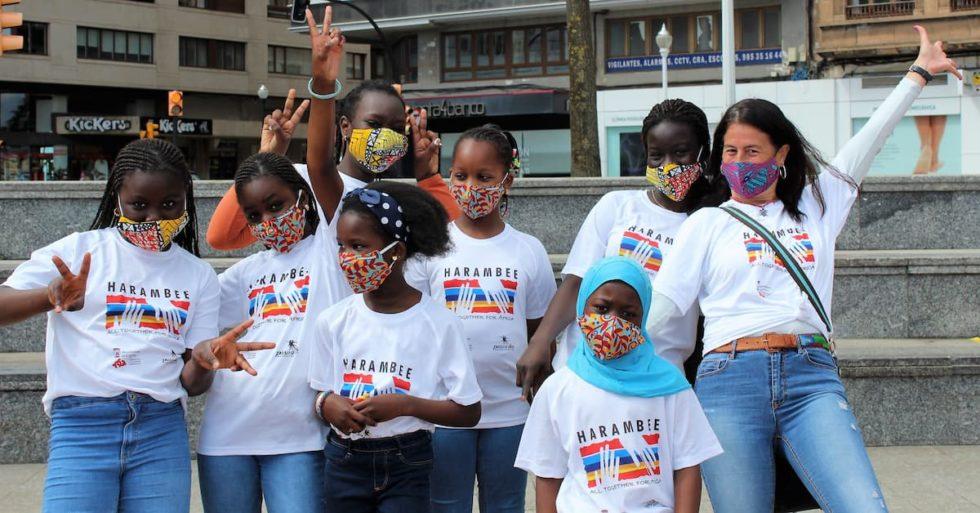 LA ASOCIACIÓN HARAMBEE PRESENTÓ SU FLASHMOB CON GRAN PARTICIPACIÓN